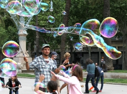 bubbles in the park3